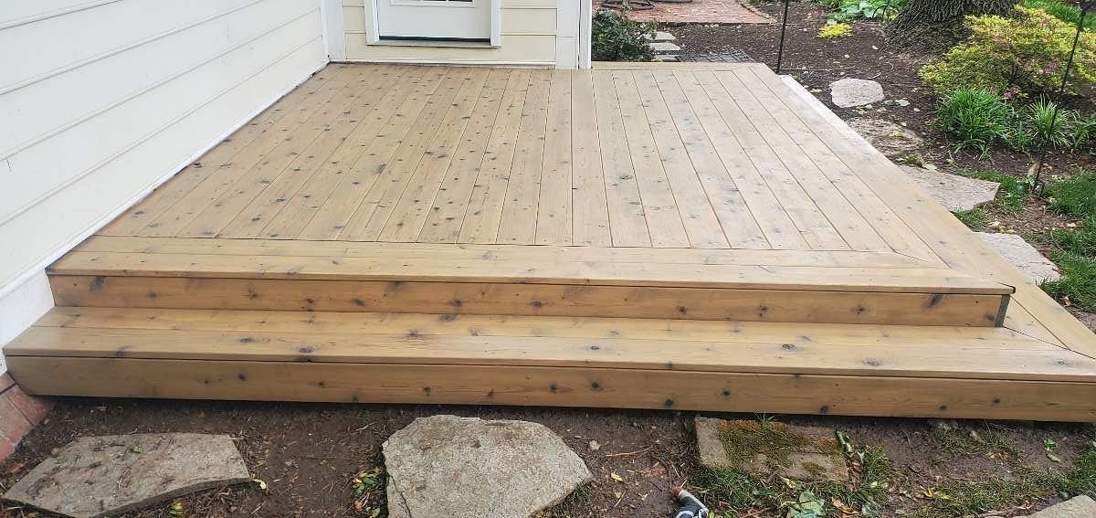 deck-staining-lexington